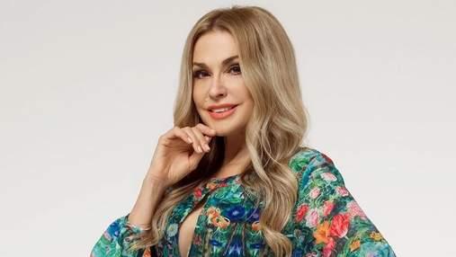 В блестящем платье: Ольга Сумская появилась на светском мероприятии в изысканном образе – фото