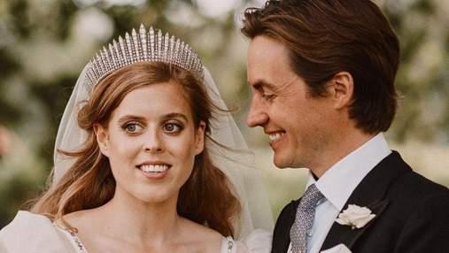 Нове фото з весілля принцеси Беатріс: Сара Йоркська поділилася сімейним кадром