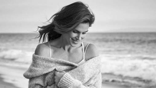 В меховом наряде среди снега: Синди Кроуфорд поделилась деталями модельных съемок