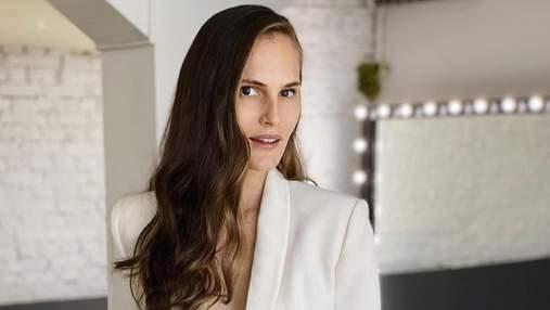 У відвертому боді та колготках в сіточку: Алла Костромічова підкорила сексуальним образом