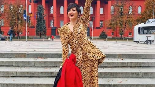 В леопардовом костюме: Оля Цибульская взволновала сеть смелым образом – фото