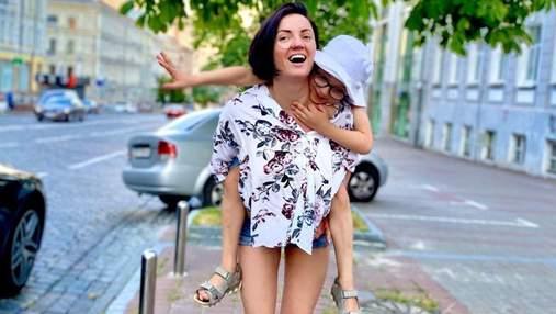 Оля Цибульская рассмешила фанатов забавным фото с сыном