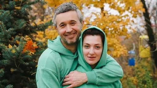 Осенний couple look: Сергей и Снежана Бабкин очаровали общим образом – фото