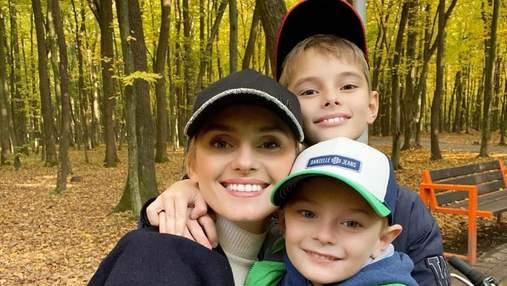 Наліпили вареників: Ірина Федишин показала, як з синами провела карантин вихідного дня