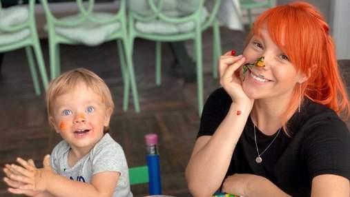 Світлана Тарабарова показала, як разом із сином радіє першому снігові: миле відео