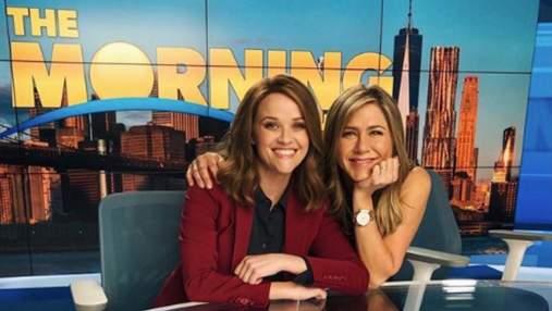 """2 сезону """"Утреннего шоу"""" быть: папарацци сделали первые фото Дженнифер Энистон на съемках"""