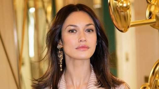Ольга Куриленко засвітила оголені груди в розкішній сукні: відвертий кадр