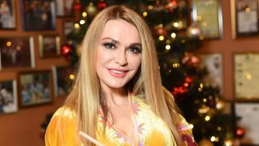 Сразу три елки: Ольга Сумская показала, как украсила дом к Новому году – видео