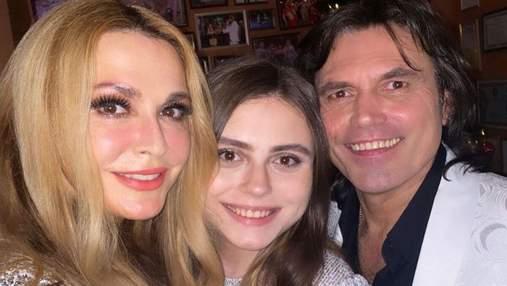 С дочерью и мужем: Ольга Сумская поделилась нежными кадрами с отдыха в Карпатах