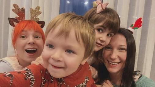 Первое селфи сына: Светлана Тарабарова показала милое фото с родными