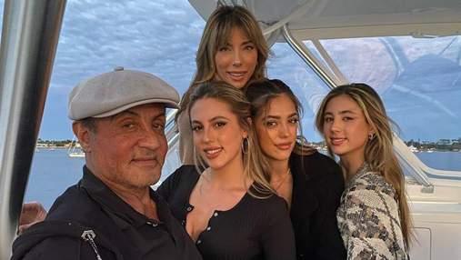 На прогулянці яхтою: Сильвестр Сталлоне захопив рідкісним фото з дружиною і доньками
