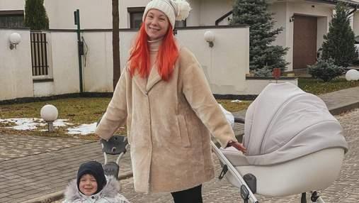 Светлана Тарабарова показала, как развлекалась с сыном на санках: милые фото