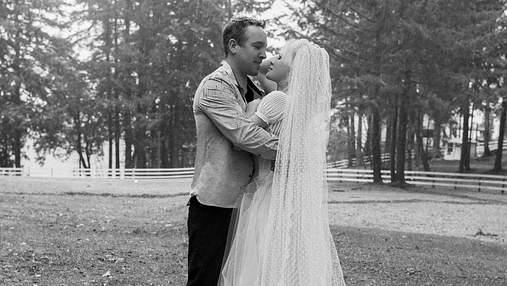 Памела Андерсон тайно вышла замуж за своего телохранителя: свадебные фото