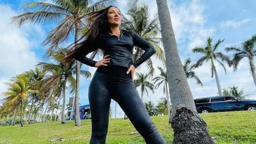 В кожаных лосинах и топе: жена Влада Ямы показала смелый образ в Майами – фото