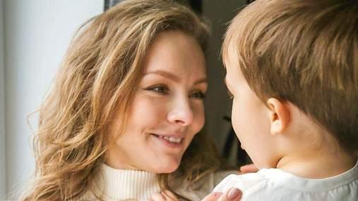 Коли він падає, то ніколи не плаче: Олена Шоптенко розповіла, як виховує 2-річного сина