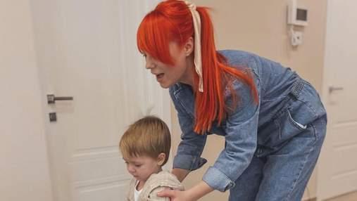 Светлана Тарабарова показала, как убирает с сыном: миловидные кадры