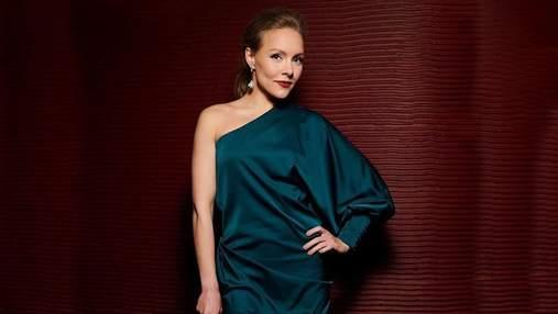 Елена Шоптенко показала роскошный образ: фото звезды в изумрудном платье