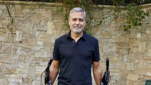 Моя дружина мене б убила, – Джордж Клуні про те, як робив зачіски дітям на карантині