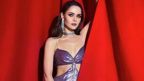 Юлия Санина продемонстрировала роскошный образ в лавандовом платье: фото