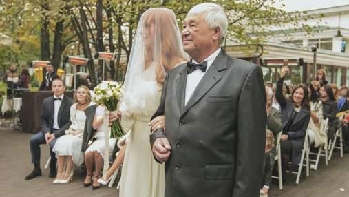 Светлана Тарабарова поздравила отца с днем рождения и показала архивные фото со свадьбы