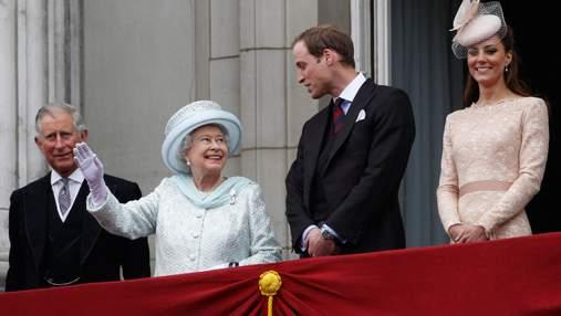 Королева и отец принца Уильяма поддержали его в недавней реакции касательно расизма в Букингеме