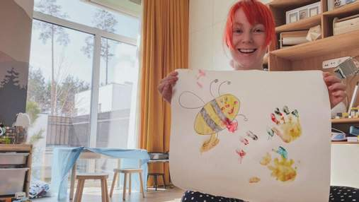 Светлана Тарабарова показала, как рисовала с сыном: фото, которые сделал маленький Иван
