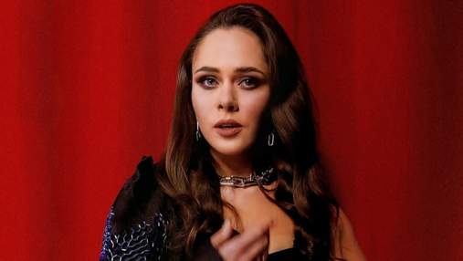 Как голливудская звезда: солистка The Hardkiss надела сексуальное платье от Валерии Ковальской