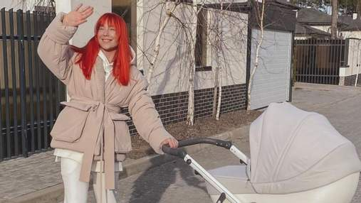Світлана Тарабарова показала прогулянку з донечкою: сонячні кадри