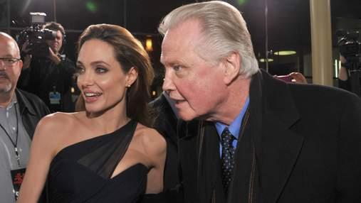 Батько Анджеліни Джолі прокоментував розлучення доньки з Бредом Пітом
