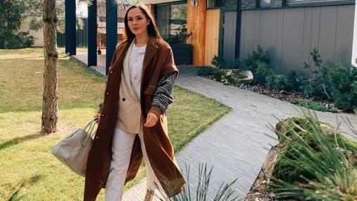 Юлія Саніна зачарувала ніжним весняним образом: яскраве фото
