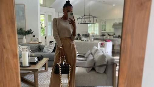 Широкие брюки – ключевой тренд весны: стильный образ показывает Жасмин Тукс