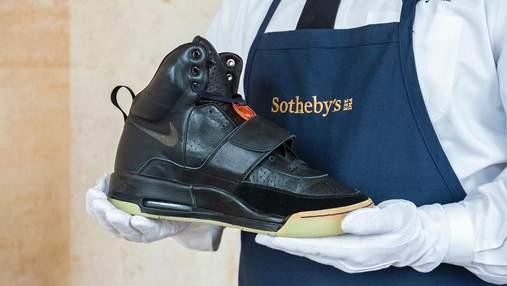 Стартовая цена – 1000000 долларов: кроссовки Канье Уэста продают на аукционе