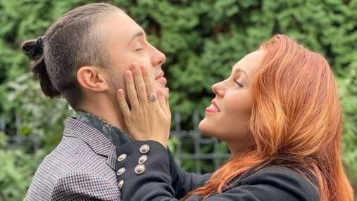 Alyosha покорила сеть редким фото с мужем