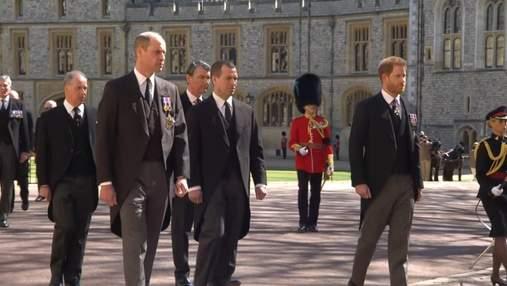 Принц Гарри около двух часов беседовал с отцом и братом, находясь в Великобритании