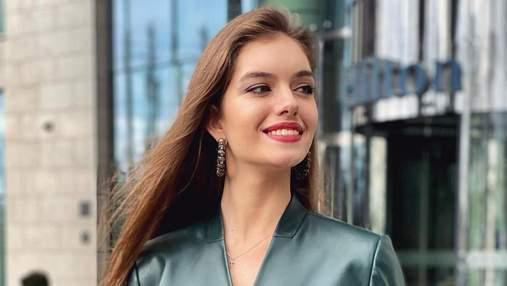 Дружина Дмитра Комарова вразила образом у шкіряному костюмі за 13 тисяч гривень