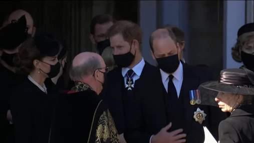 Поспешил к Меган: принц Гарри таки улетел в США,  не оставшись на праздник Елизаветы II