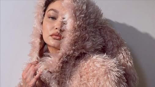 Ефектні стрілки, цікава зачіска і кольоровий манікюр: як виглядала Джіджі Хадід на своє 26-річчя