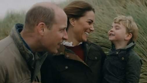 Много смеха и объятий: принц Уильям и Кейт Миддлтон умилили сеть видео с детьми
