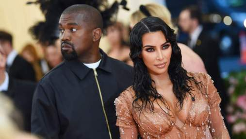 Каньє Вест досі носить обручку, незважаючи на розлучення з Кардашян