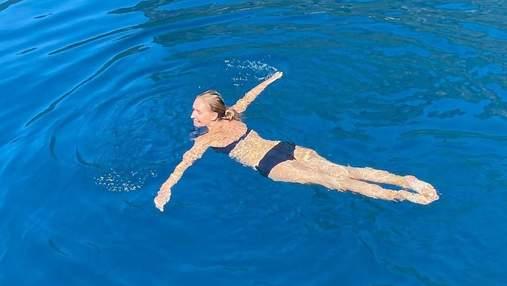 Вагітна Катя Осадча поплавала у відкритому морі в Туреччині: фото в купальнику
