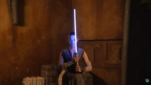 """Disney показала """"справжній"""" світловий меч із """"Зоряних воєн"""": дивіться відео"""