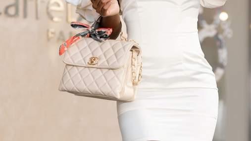 Творчество без границ: девочка разрисовала мамину сумку Chanel за 2700 долларов