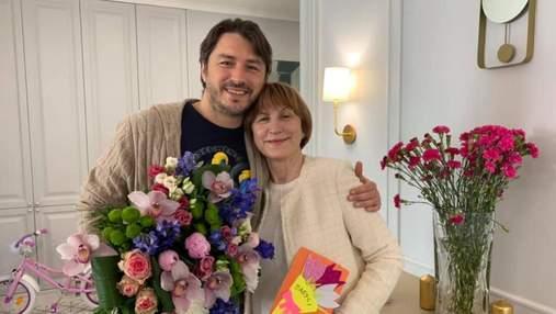 Сергей Притула чувственно поздравил маму с днем рождения: какое счастье, что ты у нас есть