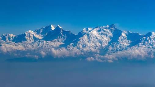 Застряли на высоте 5 тысяч метров: украинских туристов спасли в Гималаях