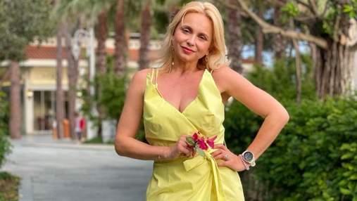 Лилия Ребрик очаровала образом в желтом платье в Турции: яркие фото из отпуска