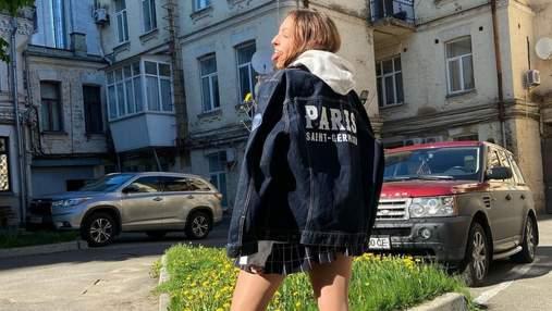 Дочь Оли Поляковой опубликовала провокационное фото с высунутым языком и в мини-юбке