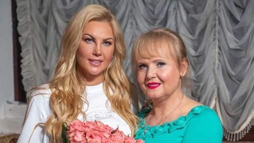 Мама певицы Камалии попала в ДТП в Киеве