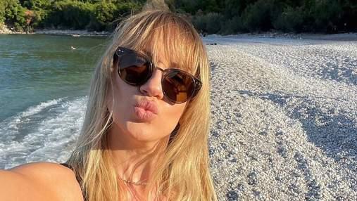 Леся Нікітюк засвітила апетитні форми в Туреччині: спекотні кадри в купальнику