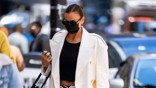 Принт зебры – тренд 2021 года: стильный образ демонстрирует модель Ирина Шейк