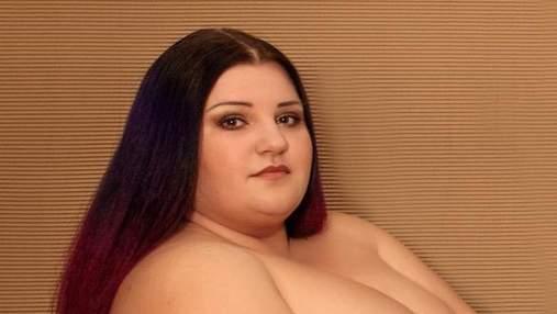 В одних лишь колготах: голая Alyona Alyona повторила эротическое фото Ким Кардашян 18+